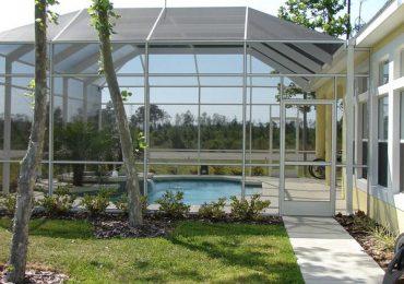 Zakładanie zadaszeń  na baseny ogrodowe